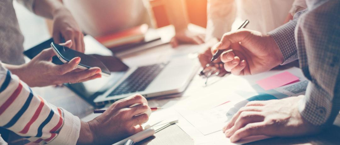 Czym różni się system ERP odCRM?